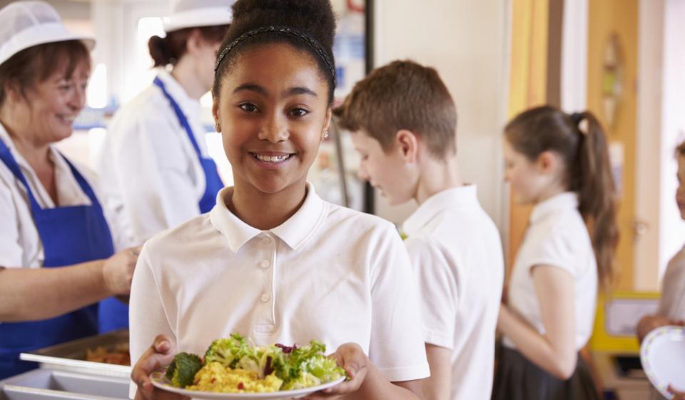Benefícios de terceirizar a alimentação escolar