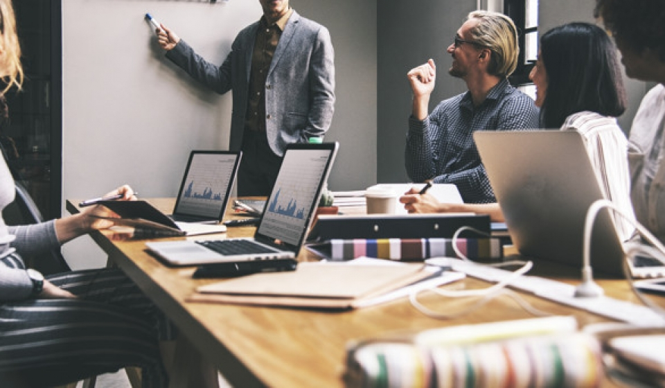 Como organizar o seu negócio de forma eficiente